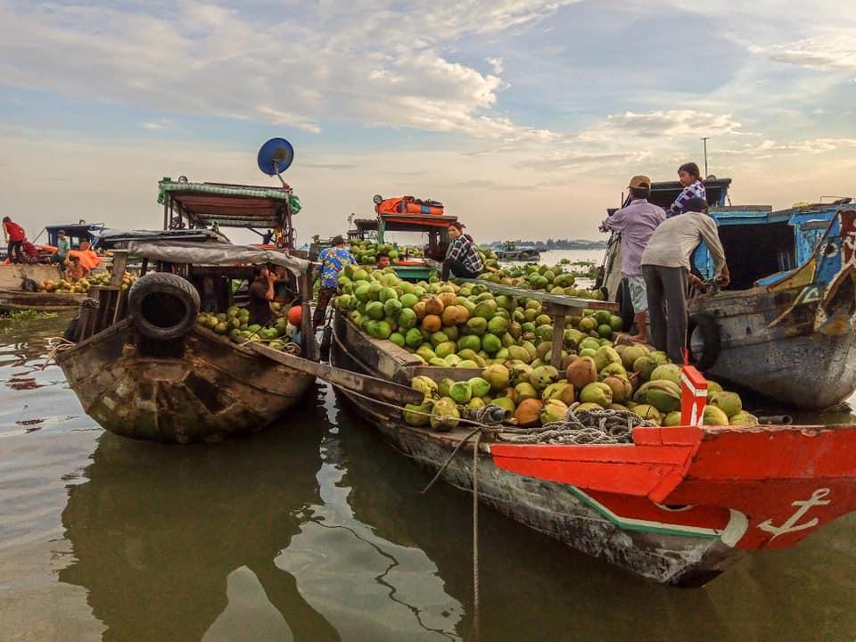 marchés flottants au Vietnam